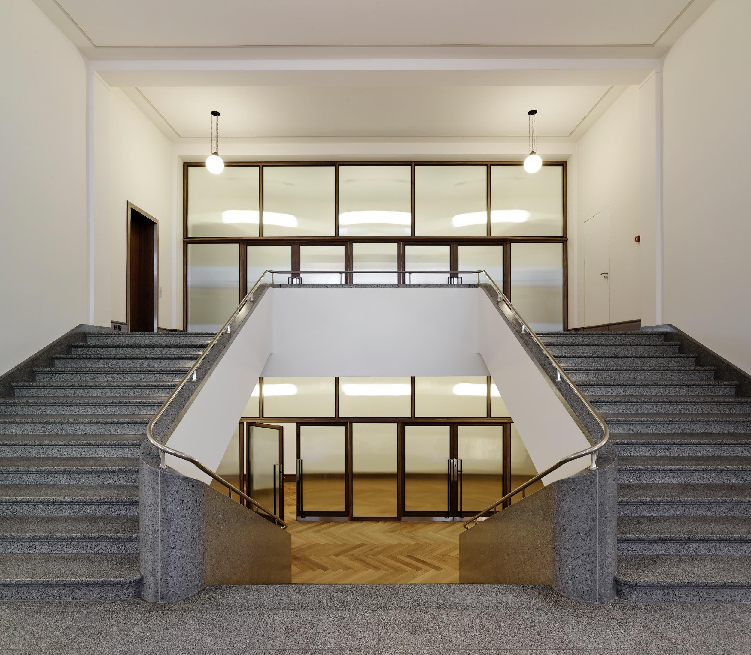 Fenstertuere_Framestar_Regierungsgebaeude_Frauenfeld_001