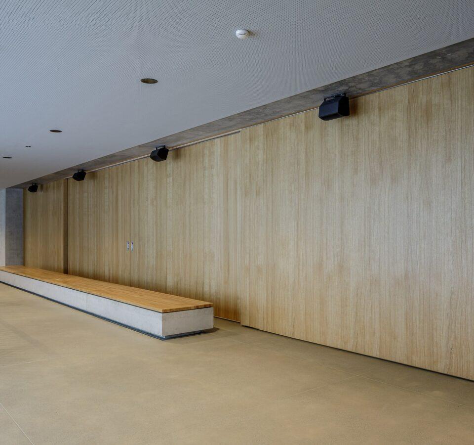Mehrzweckhalle und Schulerweiterung Bonaduz. Architekten Schwander & Sutter, Brandschutztüren von Bach Heiden.